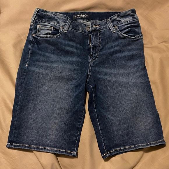 Silver Bermuda Shorts 27W 9L
